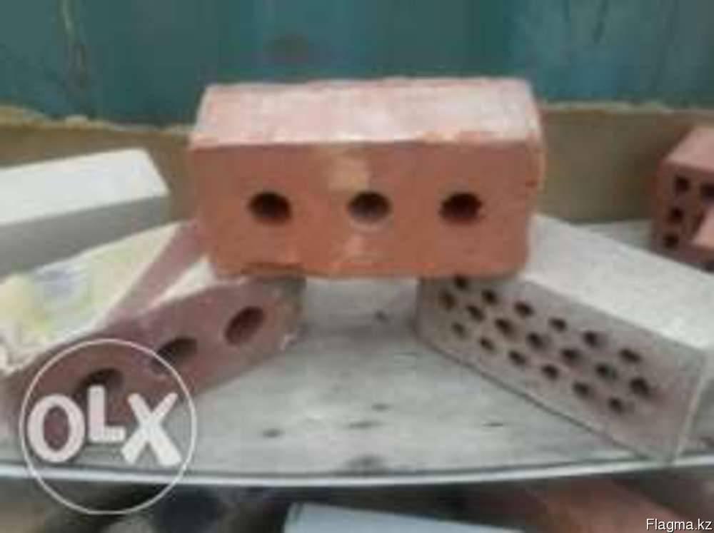Кирпич полуторный пустотелый керамический